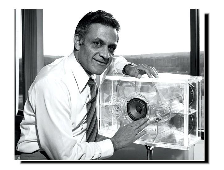 Амар Боуз, основатель звуковой компании Боуз Bose из США
